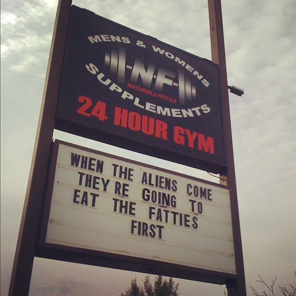 19 Hilarious and motivational gym signs
