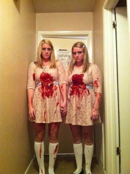 28 wacky costumes ideas to copy this halloween part 2 page 3 of 3 humormeetscomics - Deguisement cinema couple ...