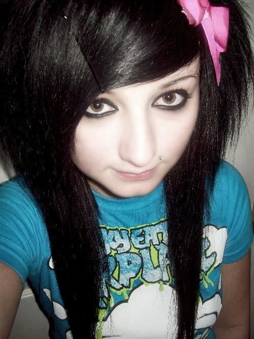 Things All Emo Kids Loved Wear